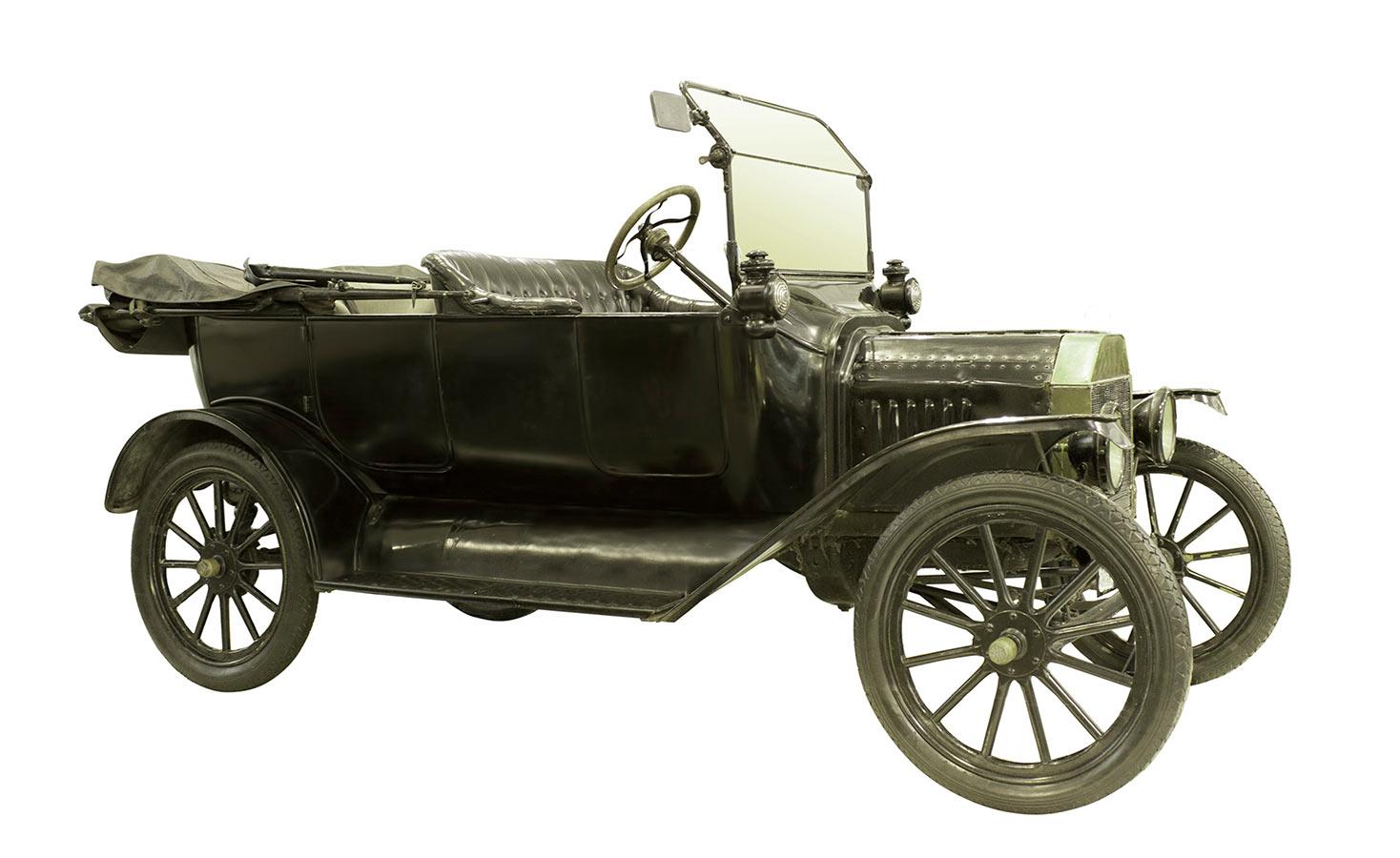 1900 Antique Car